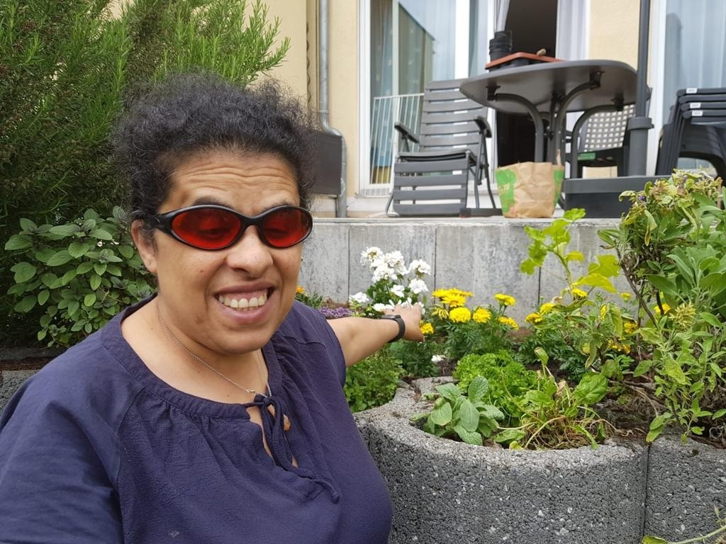 Lydia im Garten